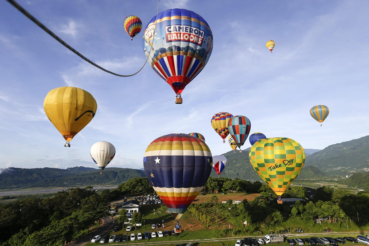 2016-international-hot-air-balloon-festival-in-taiwan-03