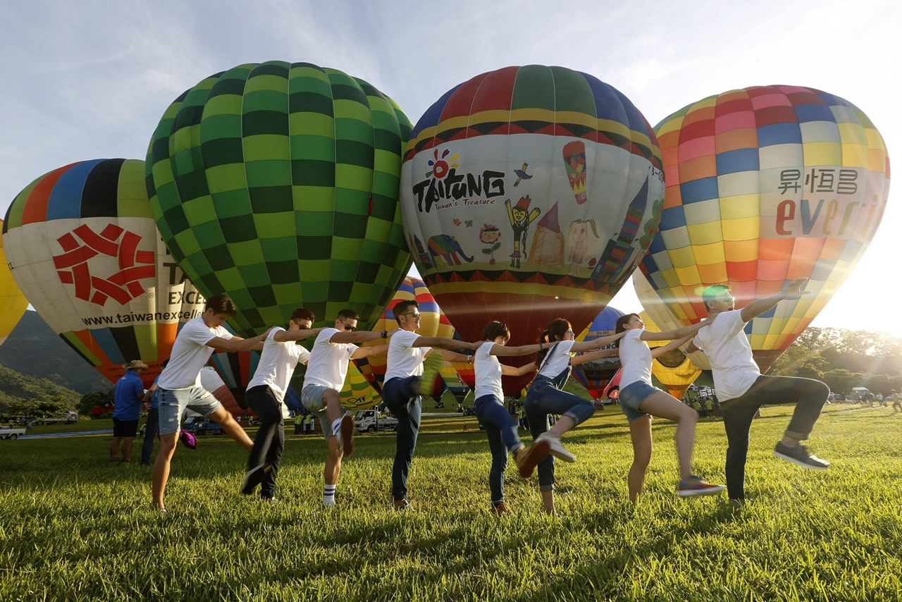 2016-international-hot-air-balloon-festival-in-taiwan-04