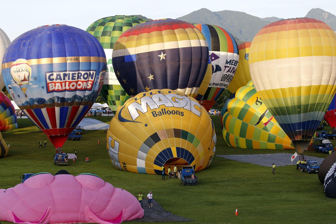 2016-international-hot-air-balloon-festival-in-taiwan-05