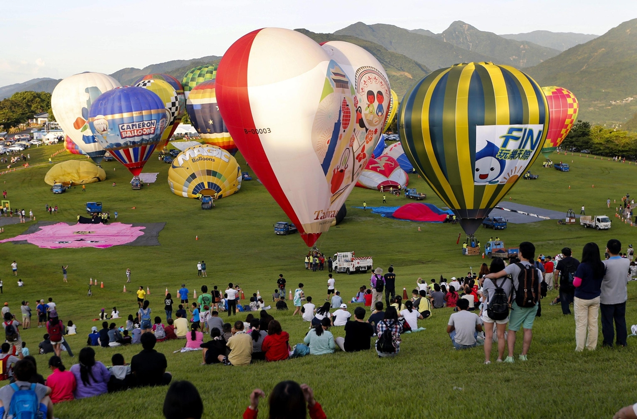 2016-international-hot-air-balloon-festival-in-taiwan-10