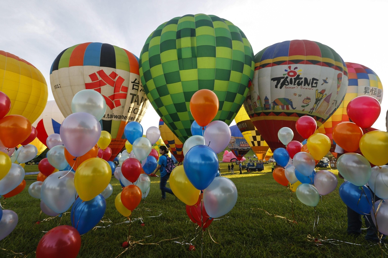 2016-international-hot-air-balloon-festival-in-taiwan-11