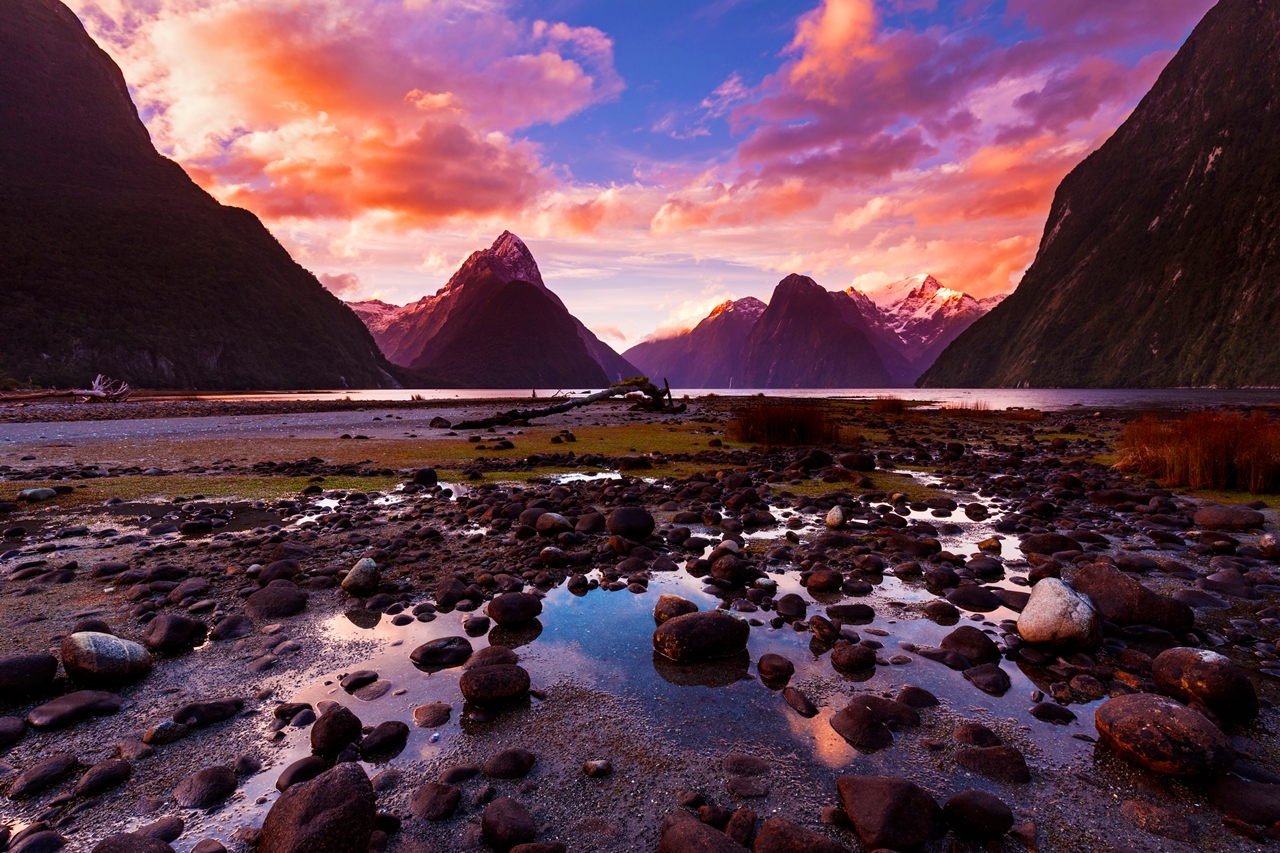 new-zealand-walk-on-the-mythical-islands-of-the-earth-02