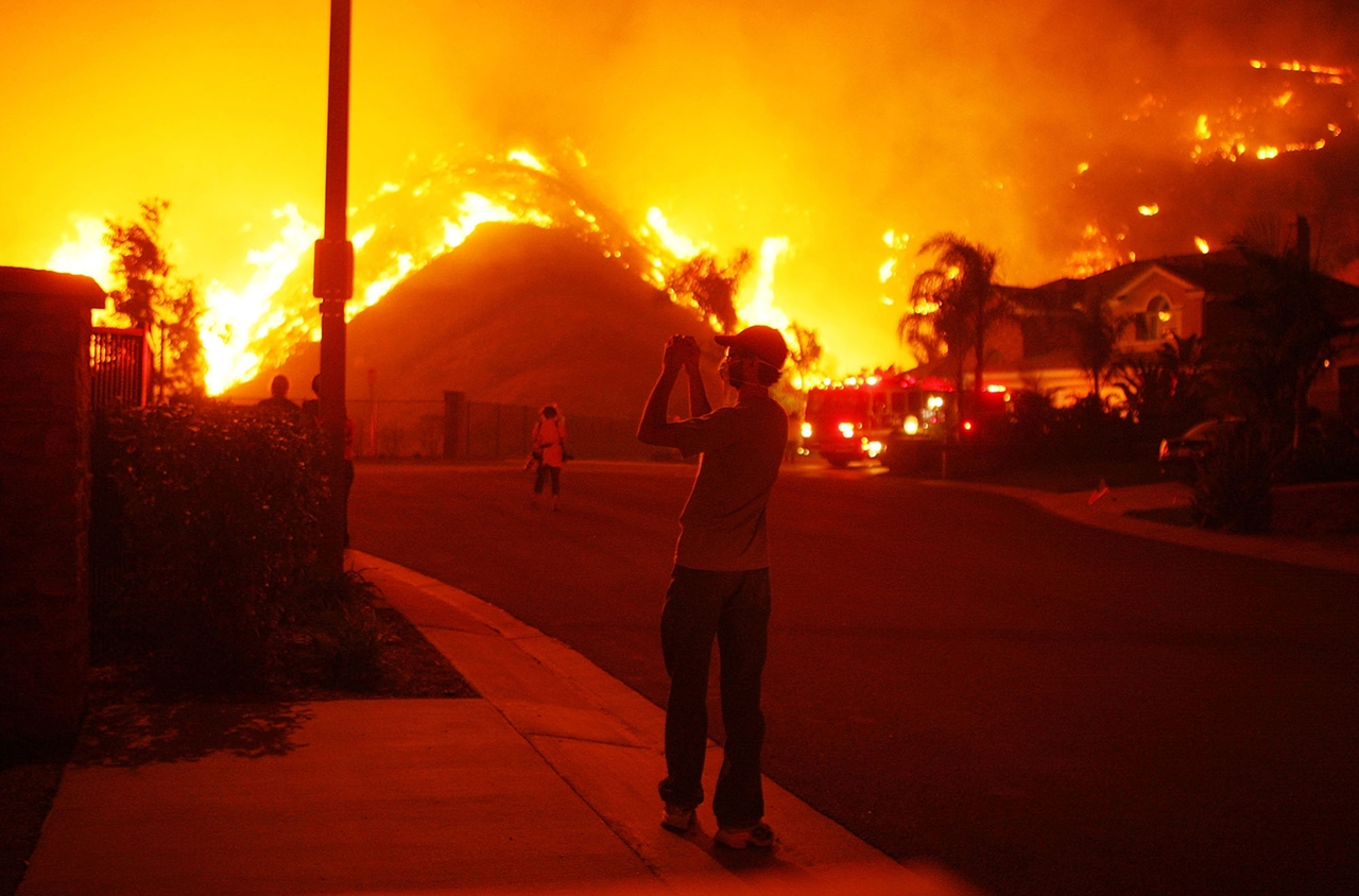 terrible-beauty-of-fire-in-california-14