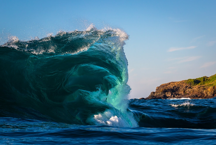 the-waves-of-the-ocean-in-stunning-photographs-by-matt-burgess-03