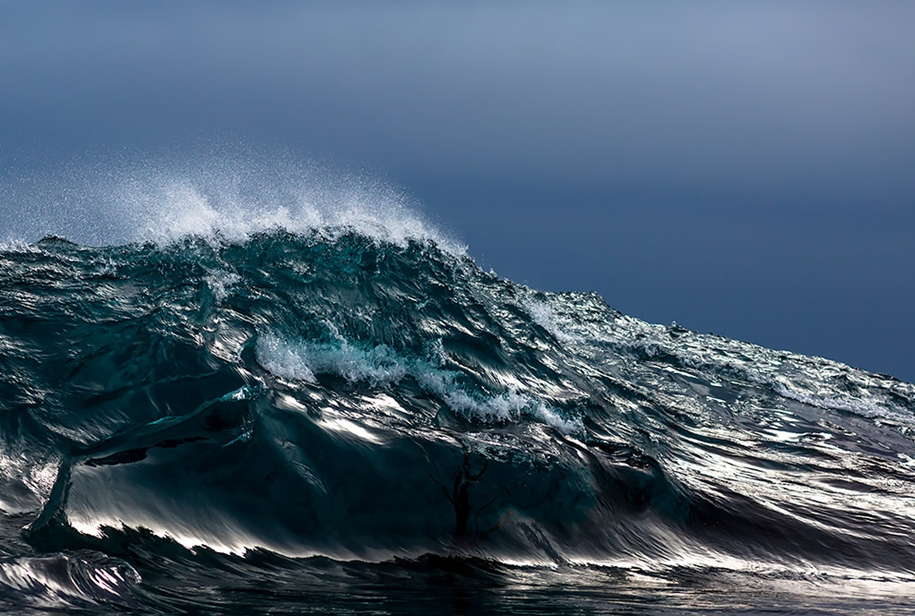 the-waves-of-the-ocean-in-stunning-photographs-by-matt-burgess-16