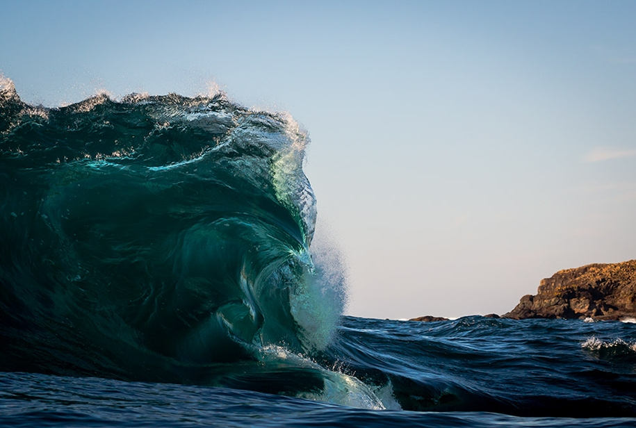 the-waves-of-the-ocean-in-stunning-photographs-by-matt-burgess-17