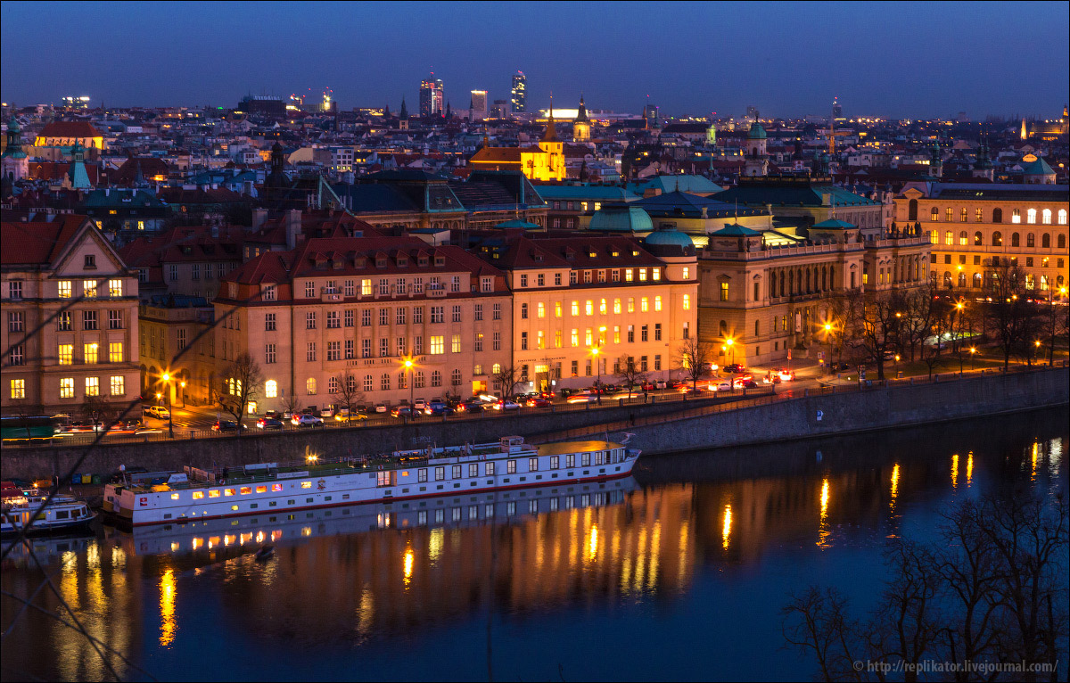 night-prague-17
