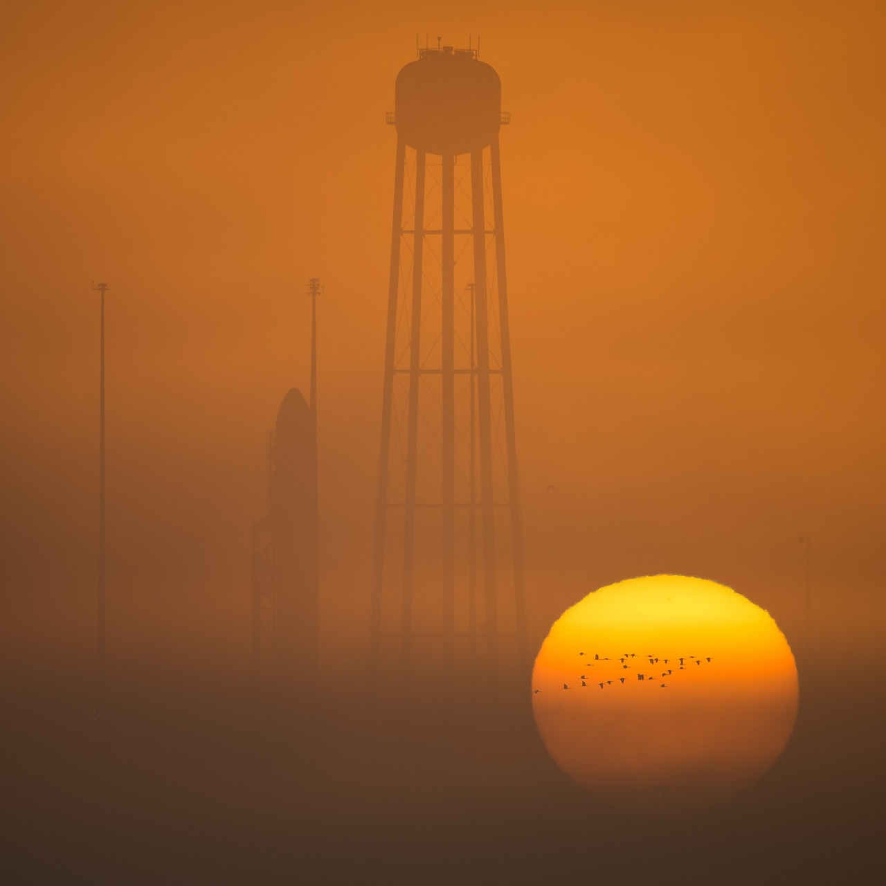 photos-of-the-launch-of-the-russian-spacecraft-soyuz-ms-02-and-the-american-antares-20
