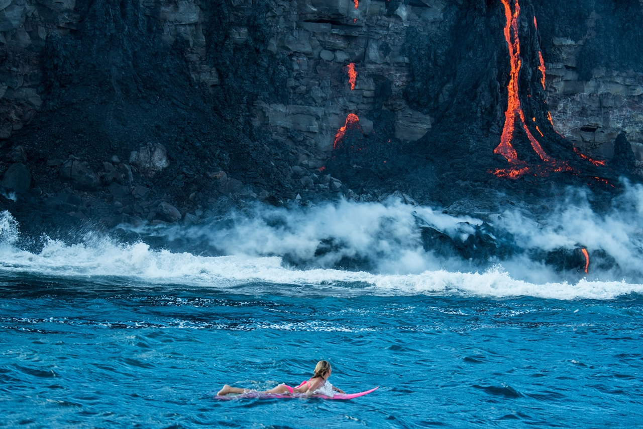 swim-with-lava-in-hawaii-01