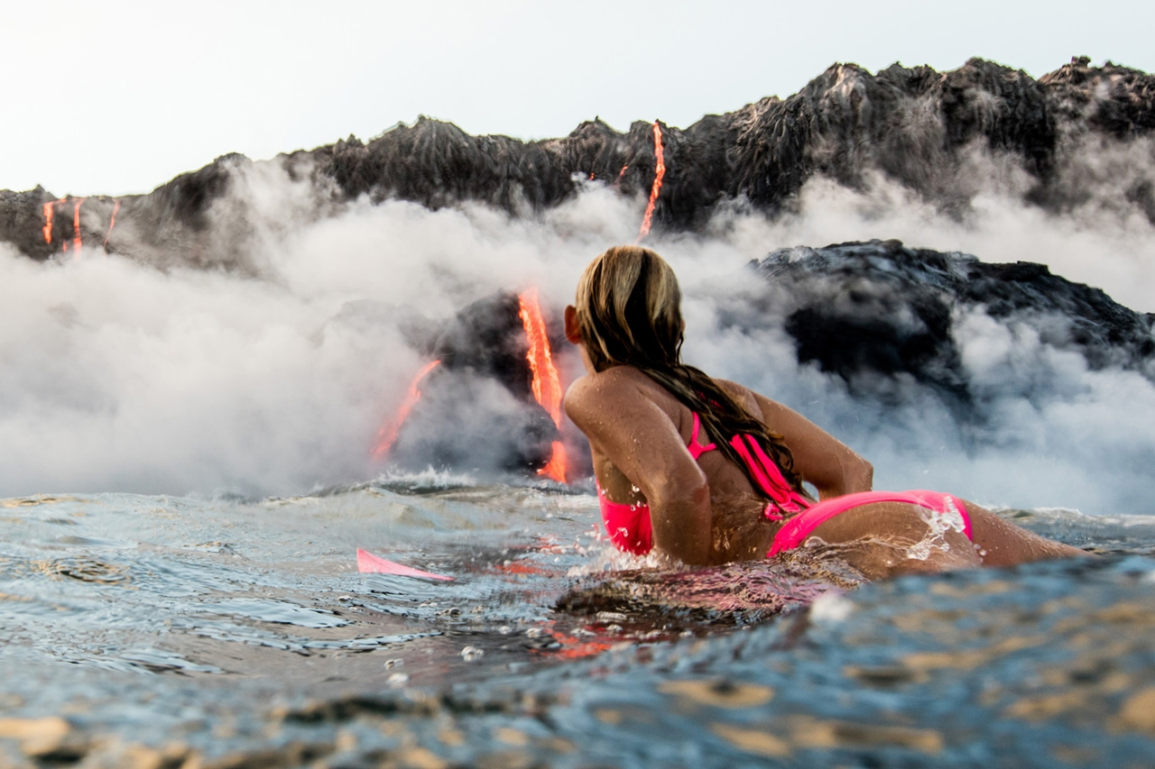 swim-with-lava-in-hawaii-03