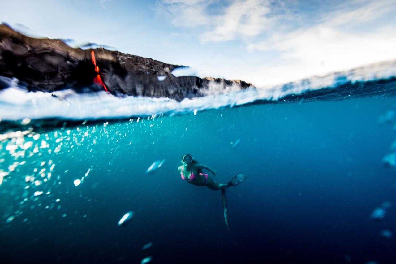 swim-with-lava-in-hawaii-04