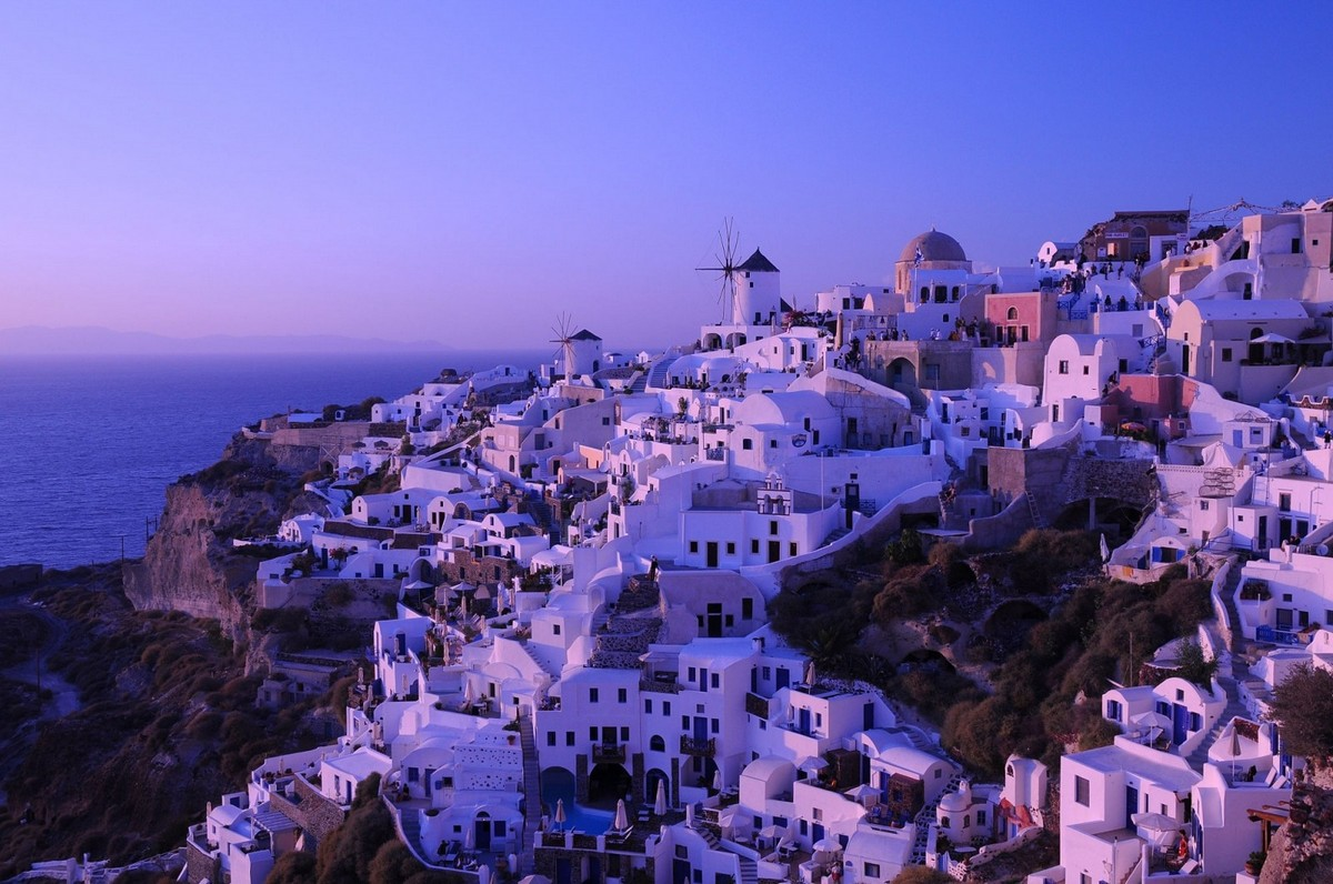 the-magical-greek-island-of-santorini-01