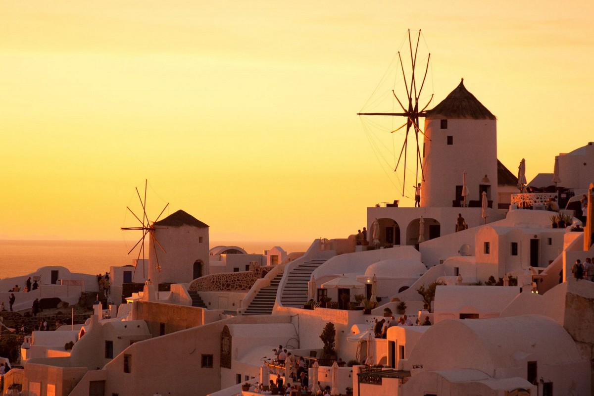 the-magical-greek-island-of-santorini-02