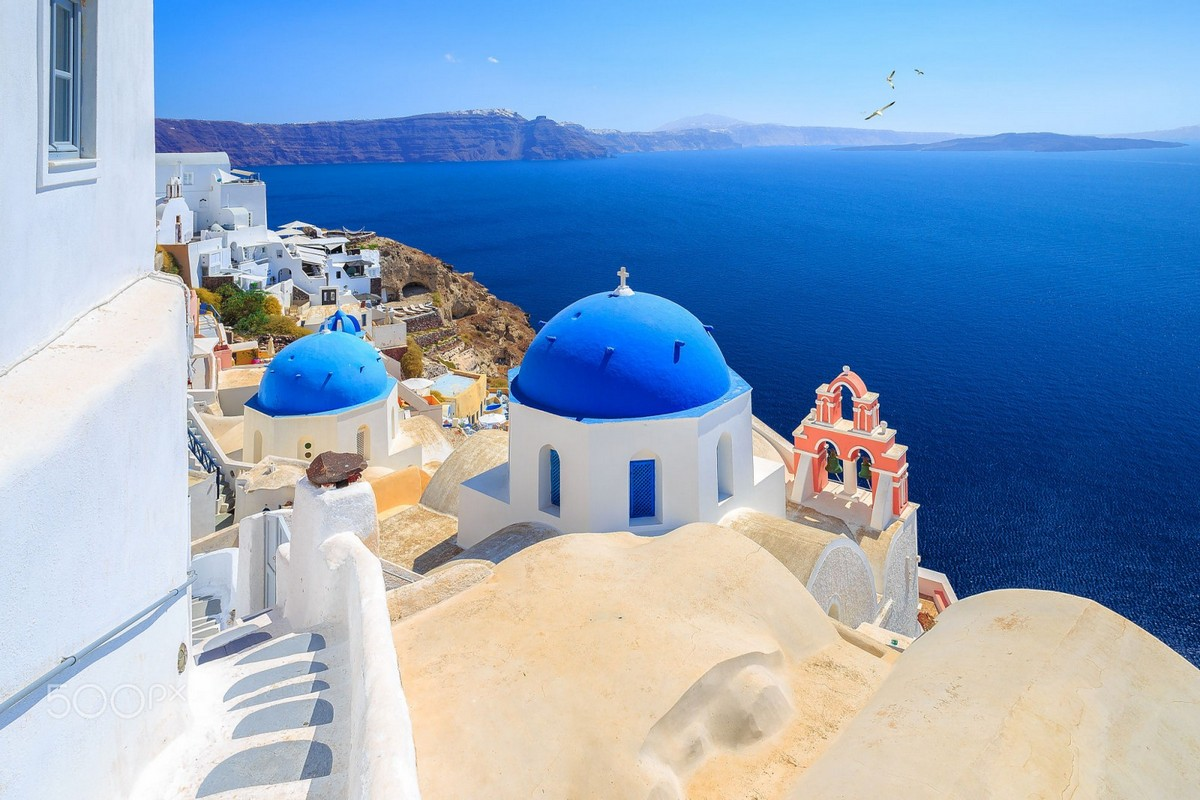 the-magical-greek-island-of-santorini-03