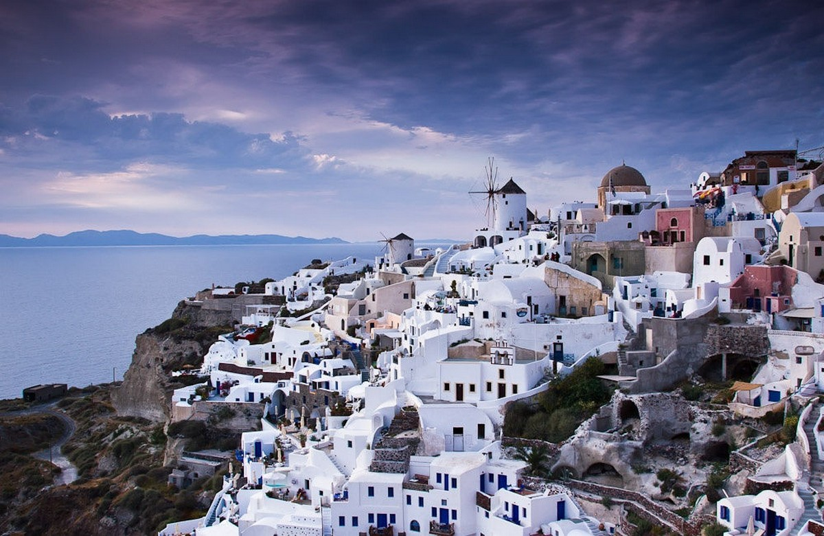 the-magical-greek-island-of-santorini-07