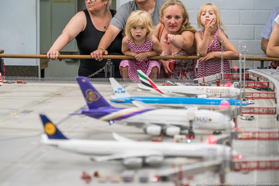 airport-toy-for-big-boys-for-4-8-million-02