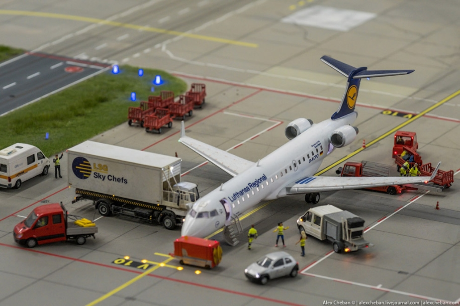 airport-toy-for-big-boys-for-4-8-million-07