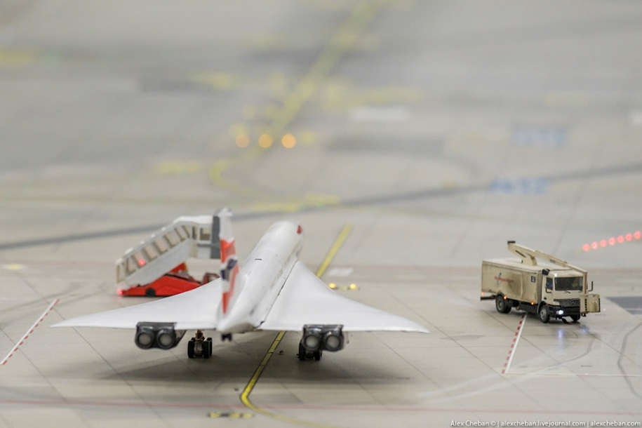 airport-toy-for-big-boys-for-4-8-million-08