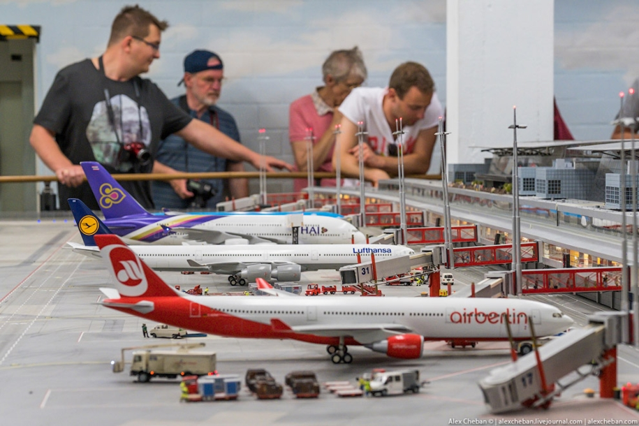 airport-toy-for-big-boys-for-4-8-million-11