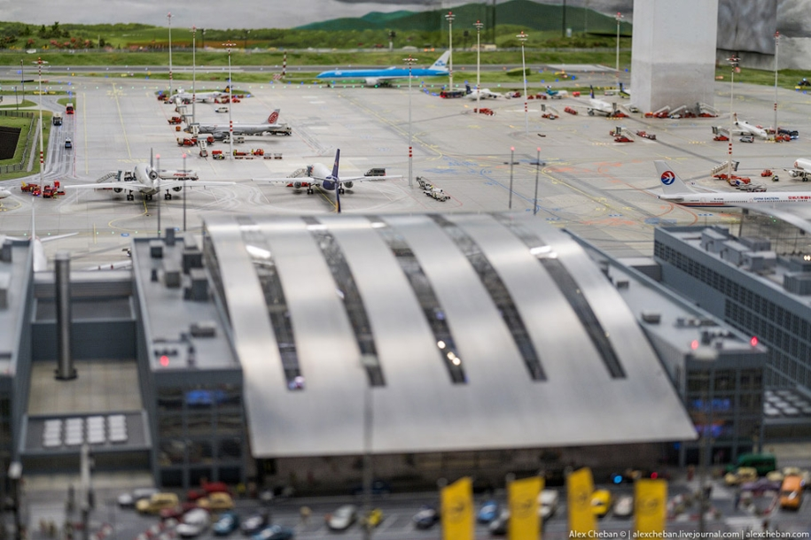 airport-toy-for-big-boys-for-4-8-million-19