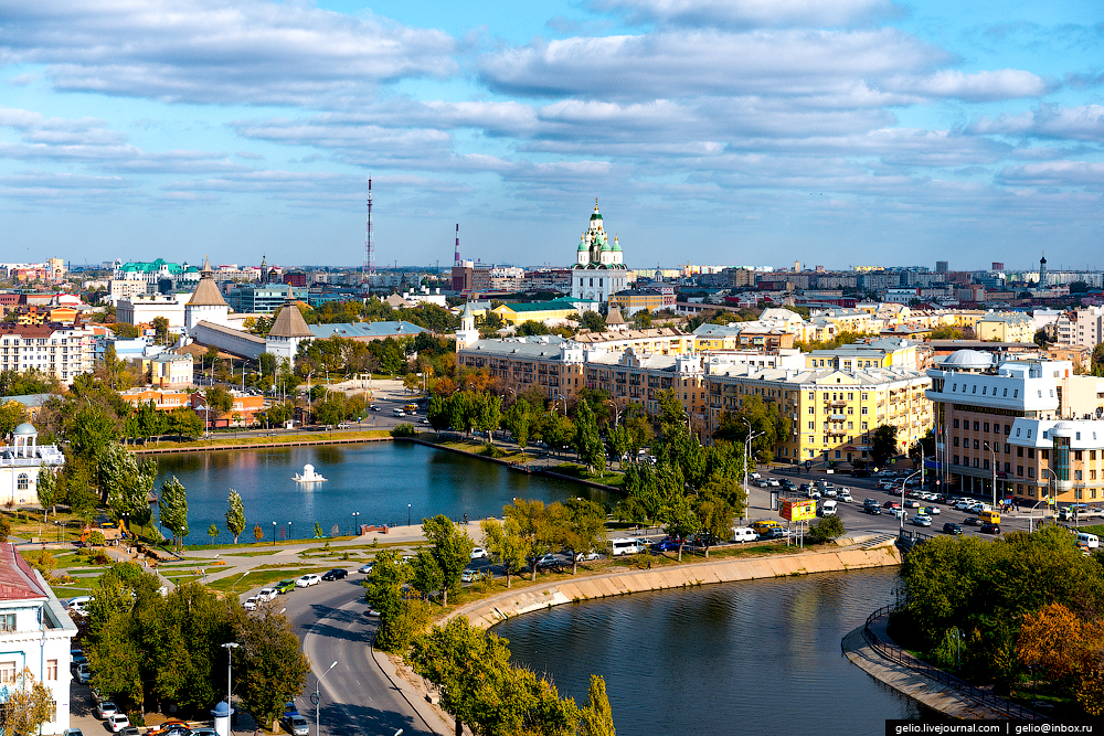 astrakhan-from-the-height-of-the-pearl-of-the-volga-region-01