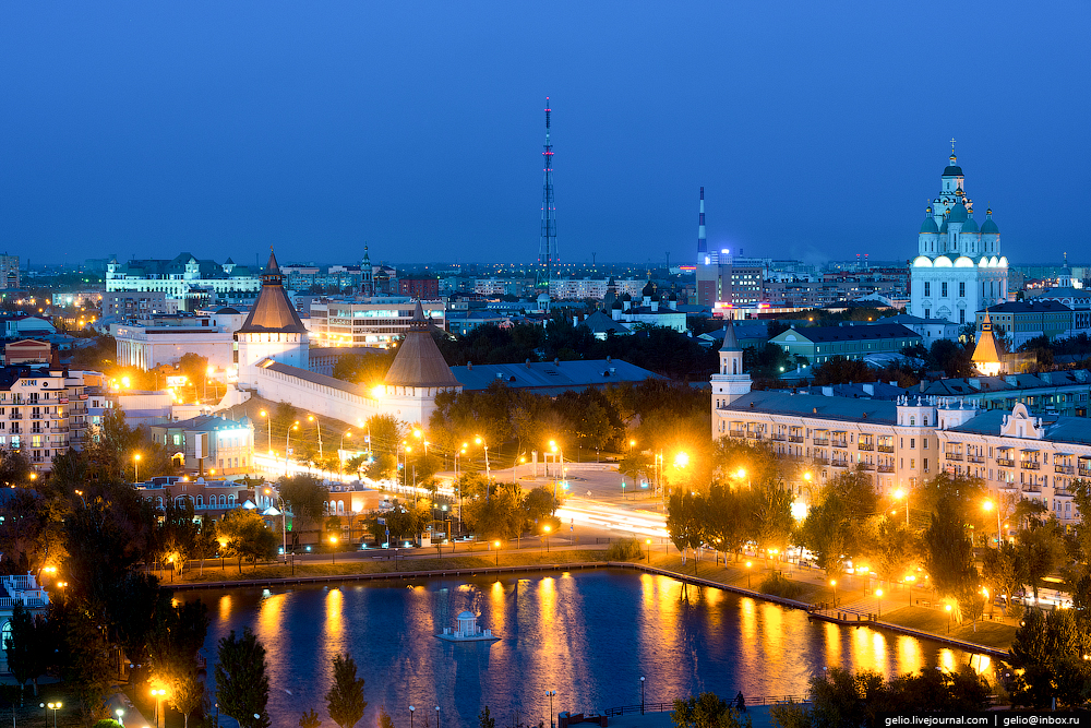 astrakhan-from-the-height-of-the-pearl-of-the-volga-region-03