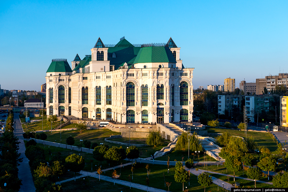 astrakhan-from-the-height-of-the-pearl-of-the-volga-region-16