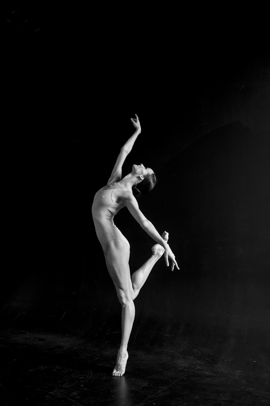 behind-the-scenes-of-the-russian-ballet-photos-ballerina-dariani-volkova-13