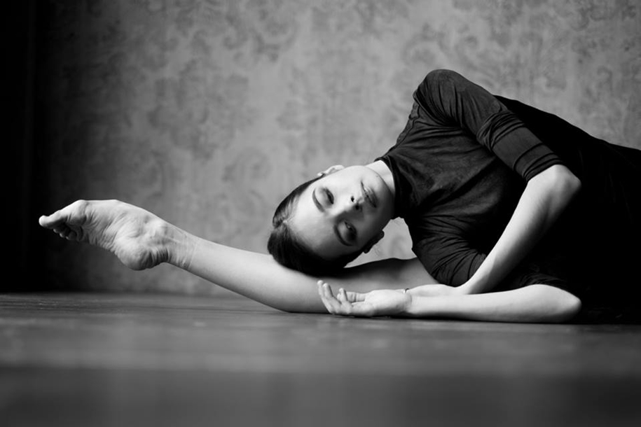 behind-the-scenes-of-the-russian-ballet-photos-ballerina-dariani-volkova-19