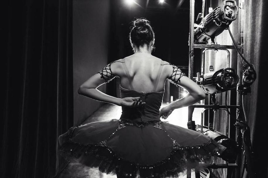 behind-the-scenes-of-the-russian-ballet-photos-ballerina-dariani-volkova-23