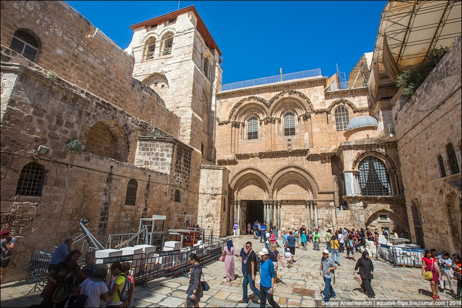 church-of-the-holy-sepulchre-in-jerusalem-06