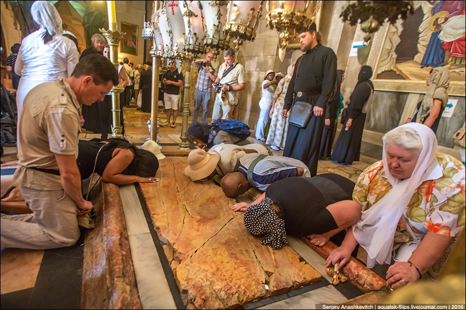 church-of-the-holy-sepulchre-in-jerusalem-12