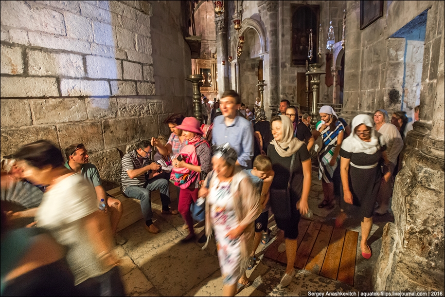 church-of-the-holy-sepulchre-in-jerusalem-17