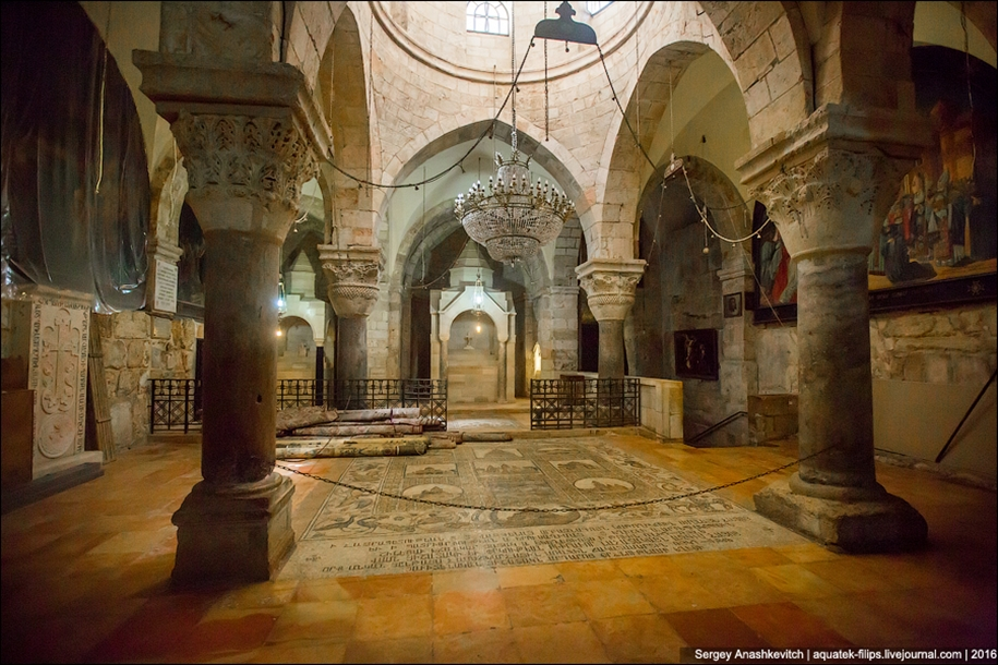 church-of-the-holy-sepulchre-in-jerusalem-19