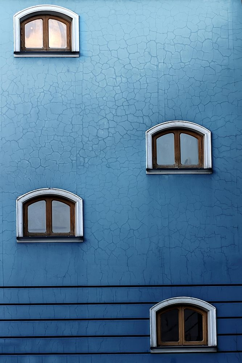 cold-indigo-in-urban-and-architectural-photographs-from-all-over-the-world-08