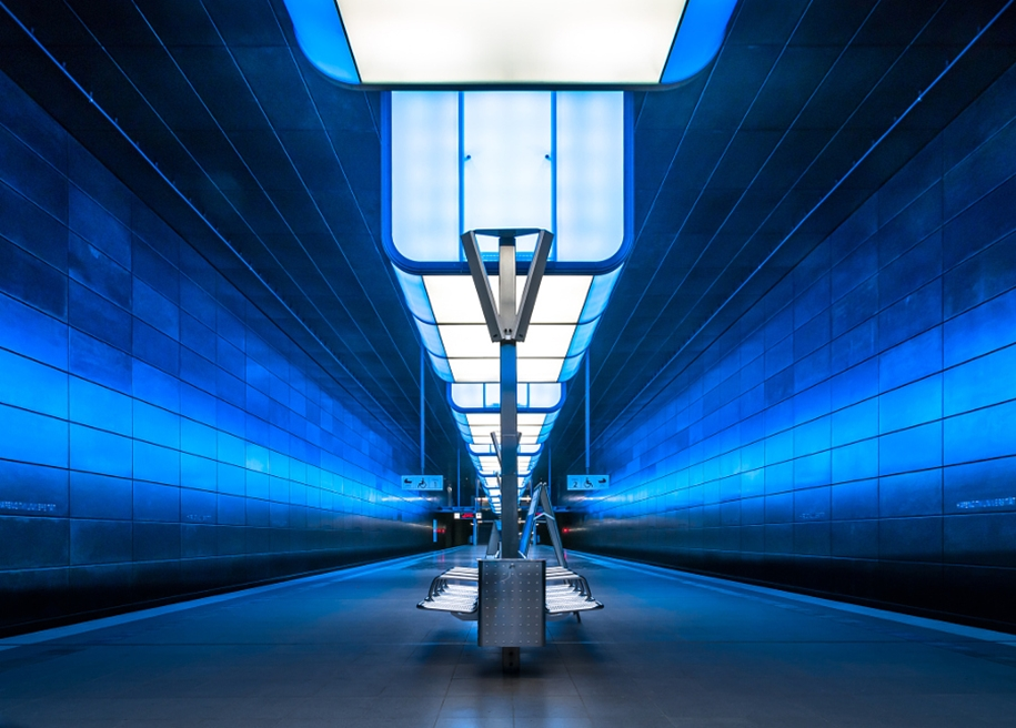 cold-indigo-in-urban-and-architectural-photographs-from-all-over-the-world-15