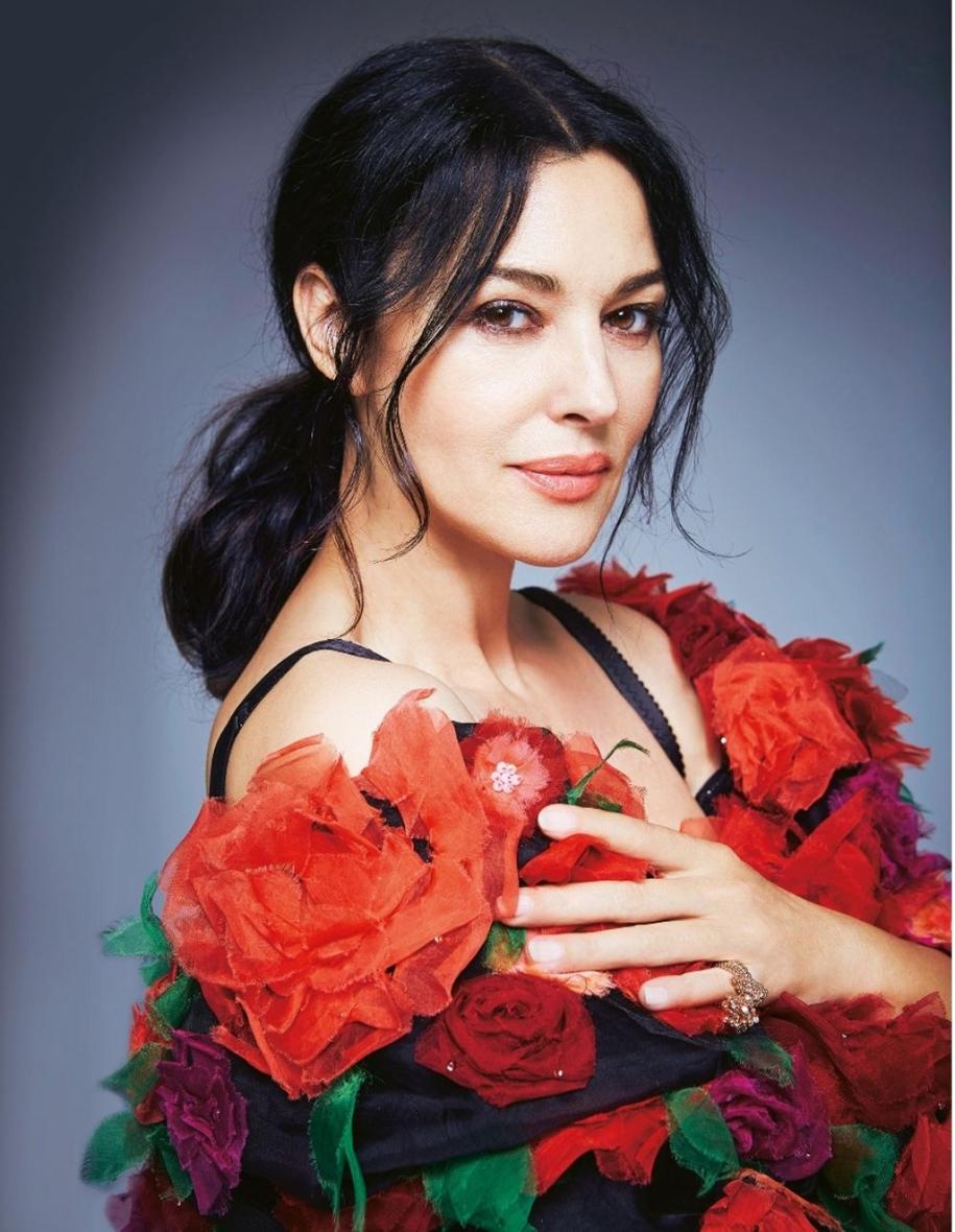 Элегантная фотосессия Моники Белуччи для итальянского журнала моды Grazia