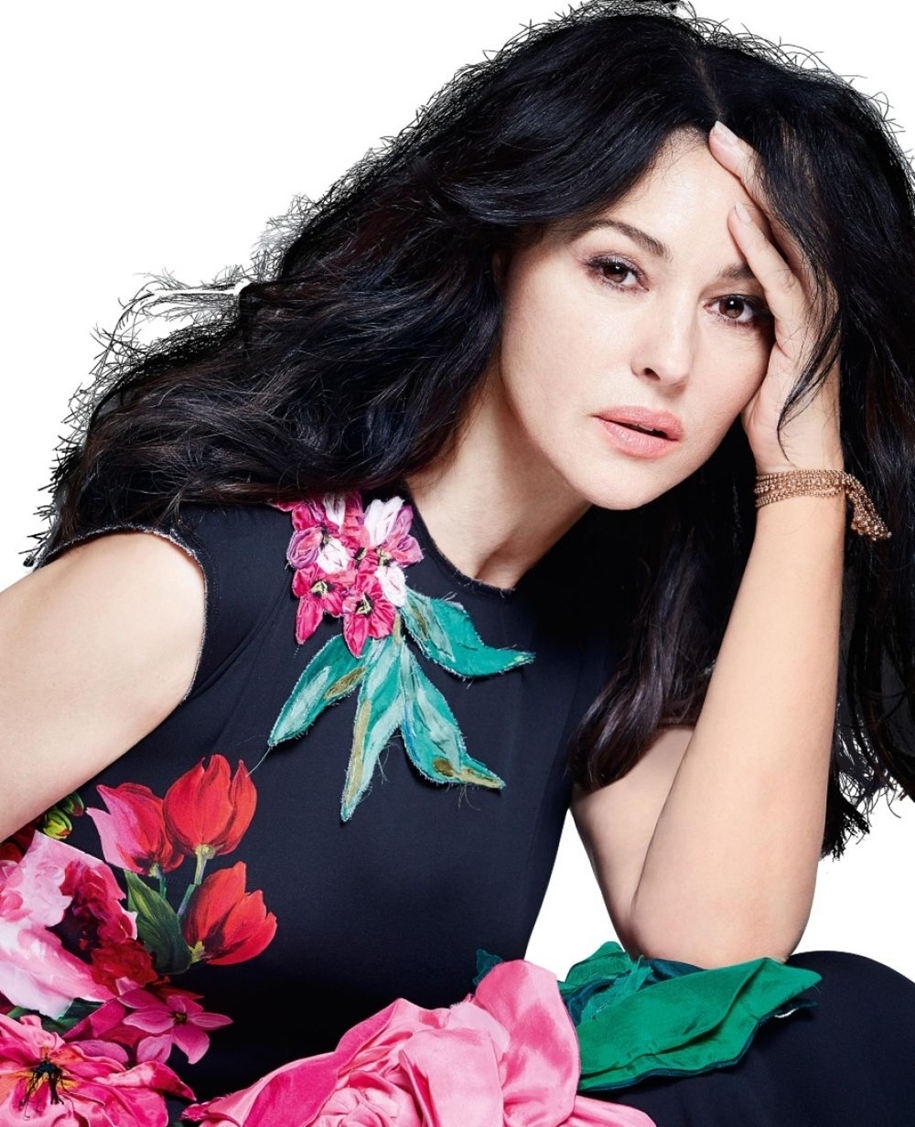 elegant-photoshoot-of-monica-bellucci-for-italian-fashion-magazine-grazia-01