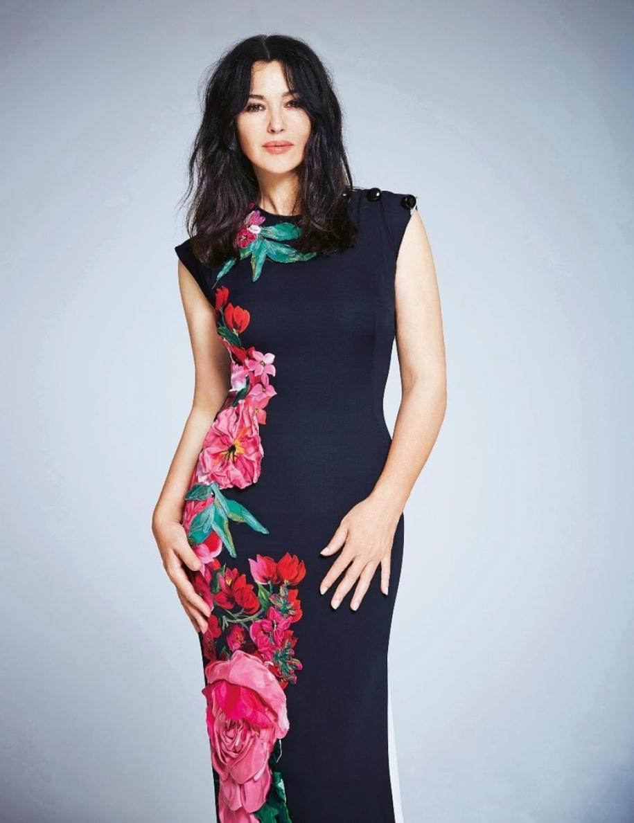 elegant-photoshoot-of-monica-bellucci-for-italian-fashion-magazine-grazia-03