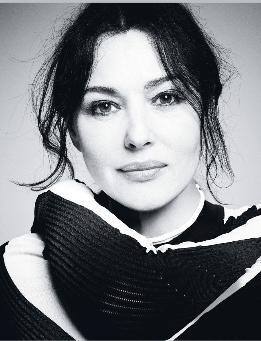 elegant-photoshoot-of-monica-bellucci-for-italian-fashion-magazine-grazia-08