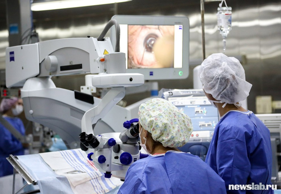 excursion-in-the-complex-eye-microsurgery-07