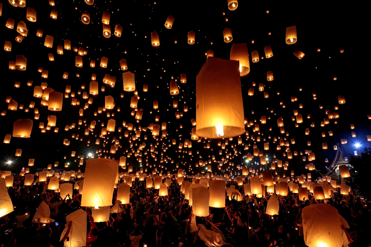 festival-of-sky-lanterns-in-thailand-06