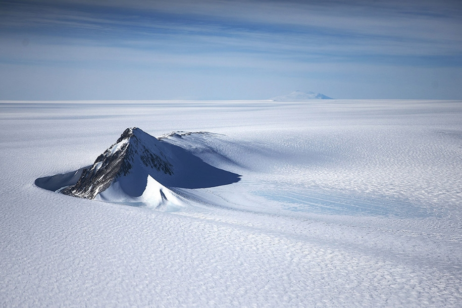flying-above-antarctica-04