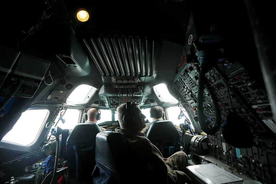 flying-above-antarctica-11