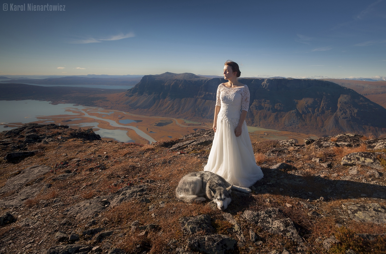 honeymoon-in-photos-bride-on-the-background-of-stunning-scenery-08