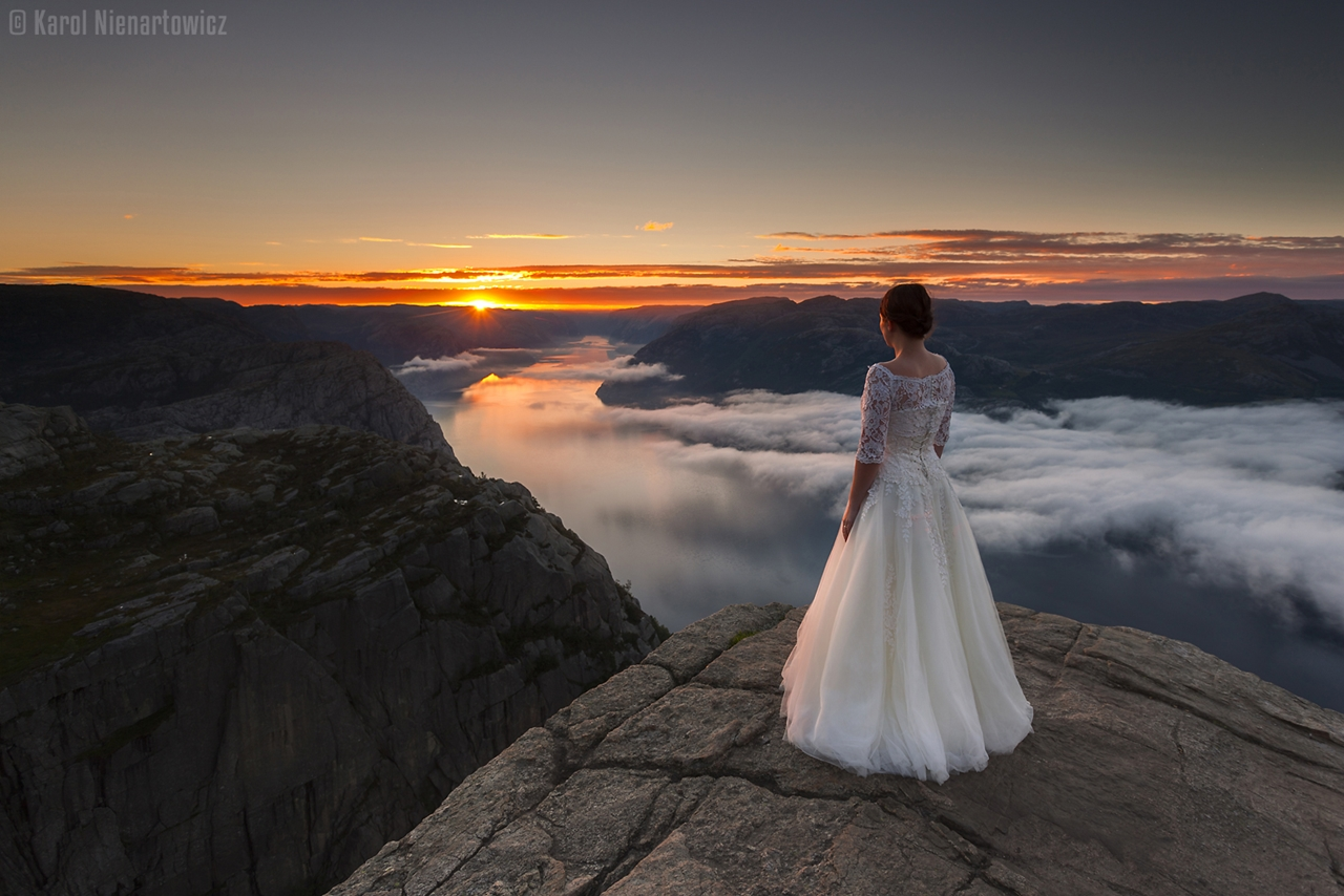 honeymoon-in-photos-bride-on-the-background-of-stunning-scenery-09