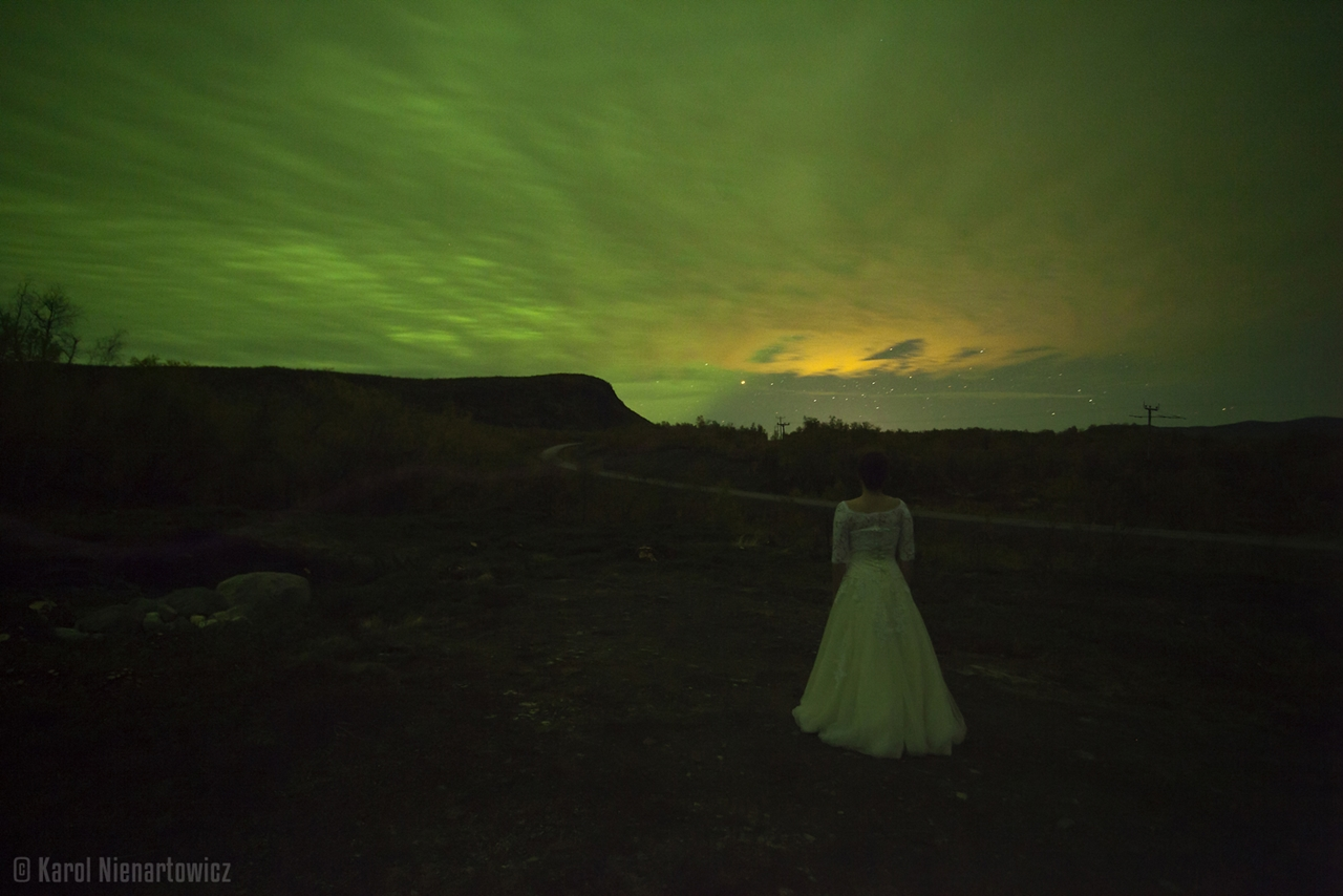 honeymoon-in-photos-bride-on-the-background-of-stunning-scenery-16