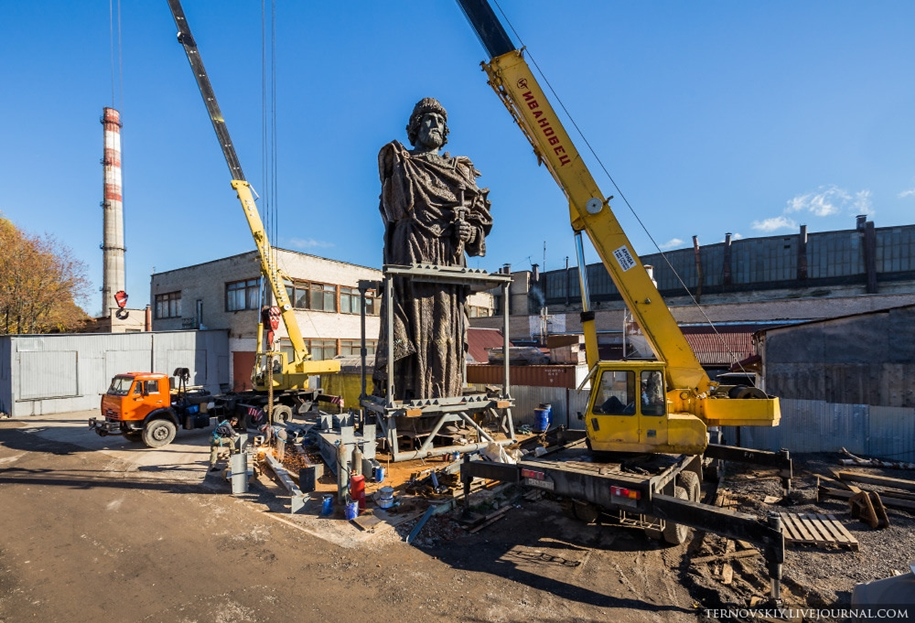 how-to-put-the-monument-to-prince-vladimir-11