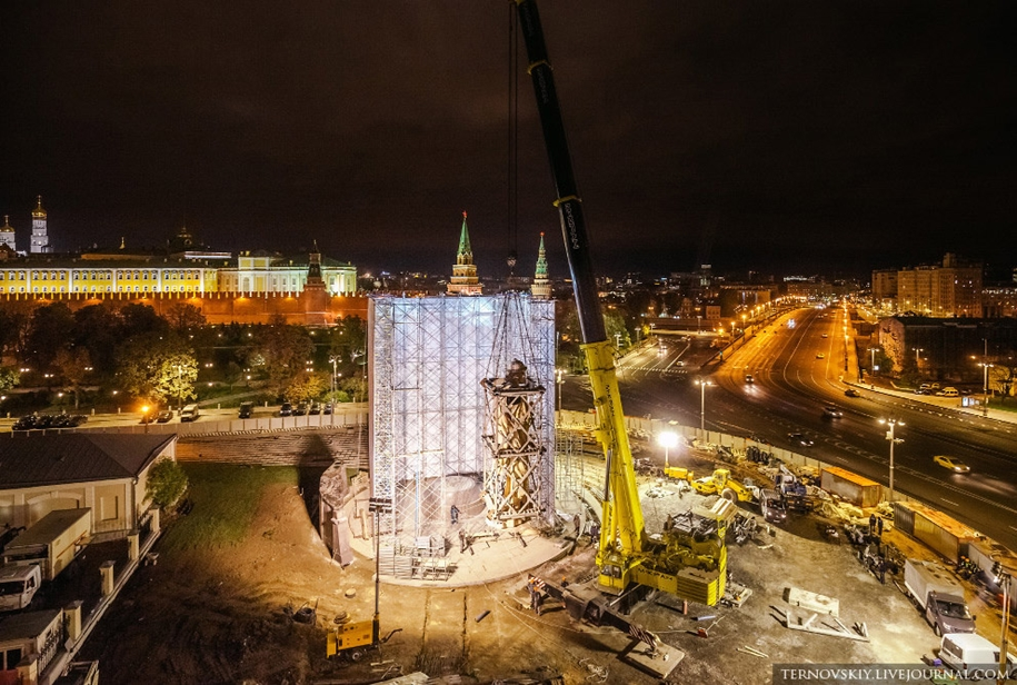 how-to-put-the-monument-to-prince-vladimir-30