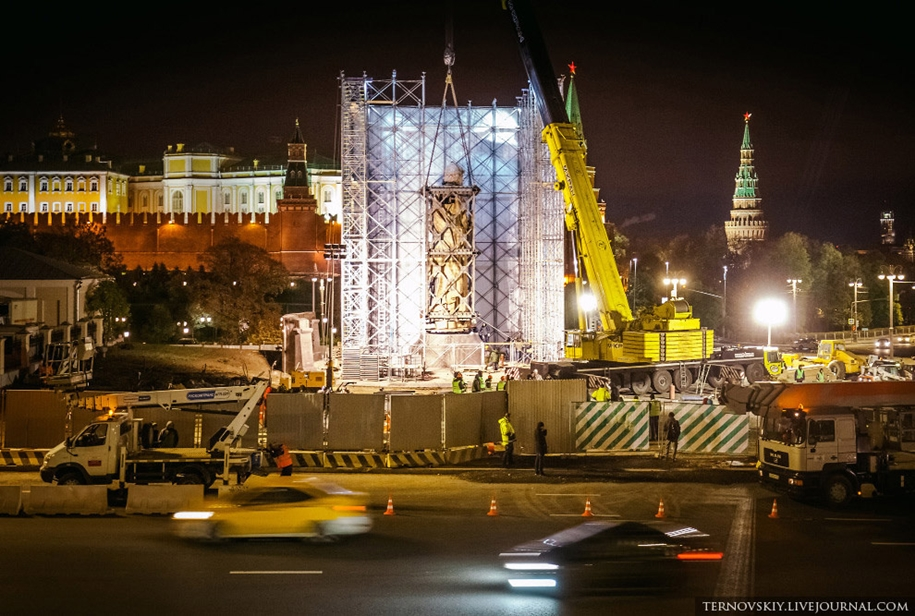 how-to-put-the-monument-to-prince-vladimir-31